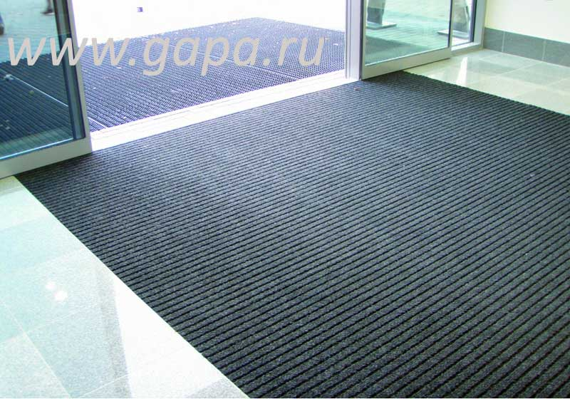 Влаговпитывающий грязезащитный ковер SHATWELL (черный) в резиновом окантовочном плинтусе